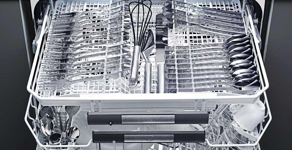 Die Von V ZUG Neu Entwickelte Schublade Ermöglicht Ein Ergonomisches  Einfüllen Des Bestecks. Zudem Lassen Sich Die Besteckteile Strukturiert, ...